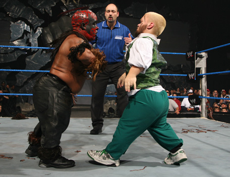15516-jimmy_korderas-little_boogeyman-hornswoggle-referee-smackdown-wwe